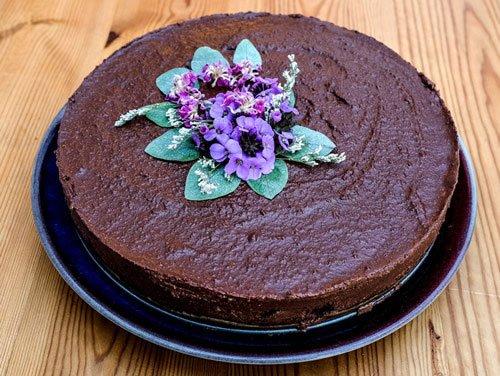 raw-chocolate-coconut-cheesecake